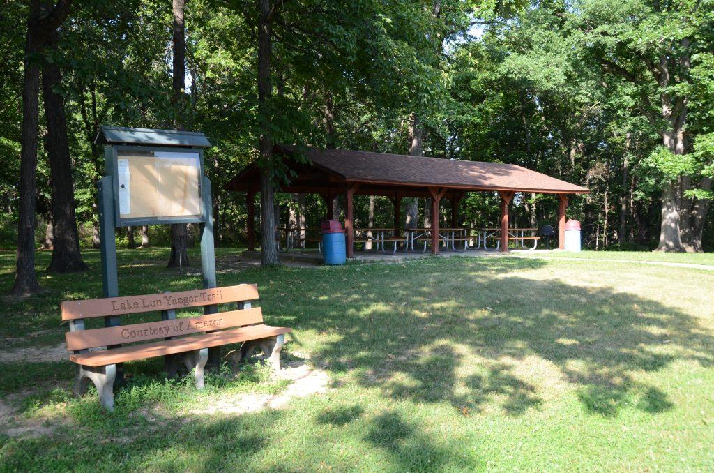 Picnic Area 3 at Lake Lou Yaeger